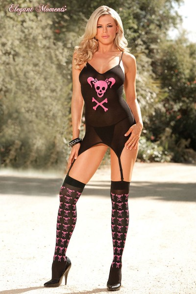 Bustier, g-string and stockings with skull print.