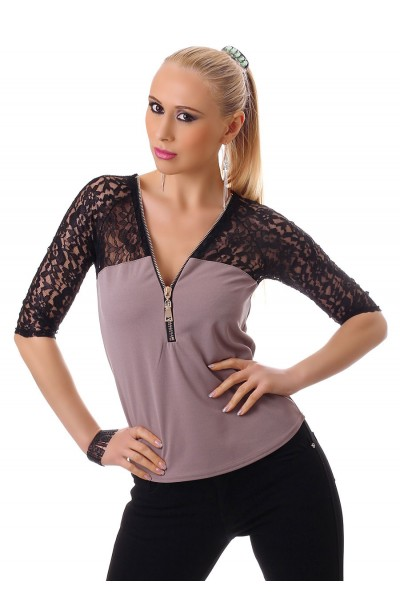 3/4 sleeve shirt with lace. Taupe/black